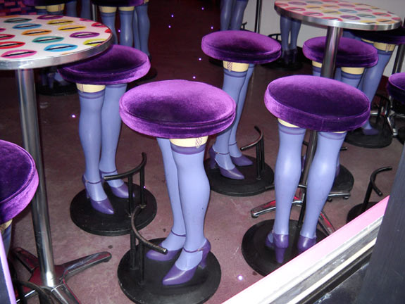 bar stools with legs as seen in Montral