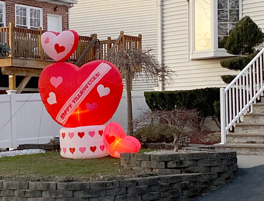 valentines day inflatable seen in Belleville NJ