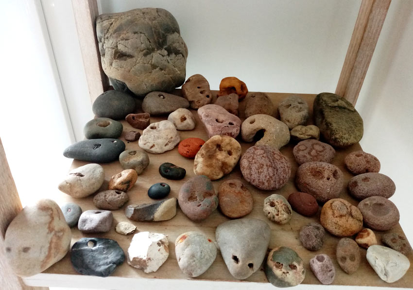 stones with faces found in the South of France